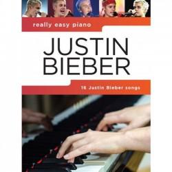 Justin Bieber nuty na fortepian
